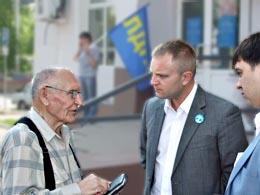 Иван Сухарев провел прием граждан