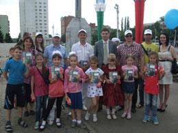 ЛДПР-собирает-детей-в-школу!