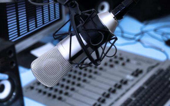 4972e4616d_radiostudia580x360_fix